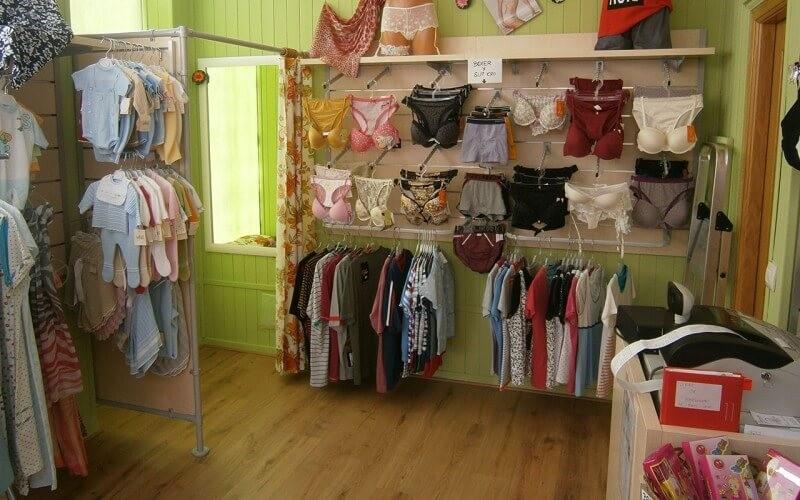 e3cd808ad313 Mobiliario para tiendas de lencería en Toledo - Mobelar Estanterías
